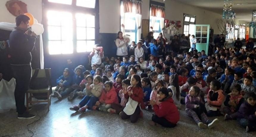 MEDIO AMBIENTE REALIZA CHARLAS SOBRE TRATAMIENTO DE RESIDUOS Y CUIDADO DE LOS ÁRBOLES