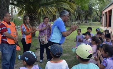 NIÑOS DEL CAMPAMENTO DE JARDINES DE INFANTES RECIBEN CHARLAS DE SEGURIDAD VIAL Y CUIDADO DEL AMBIENTE