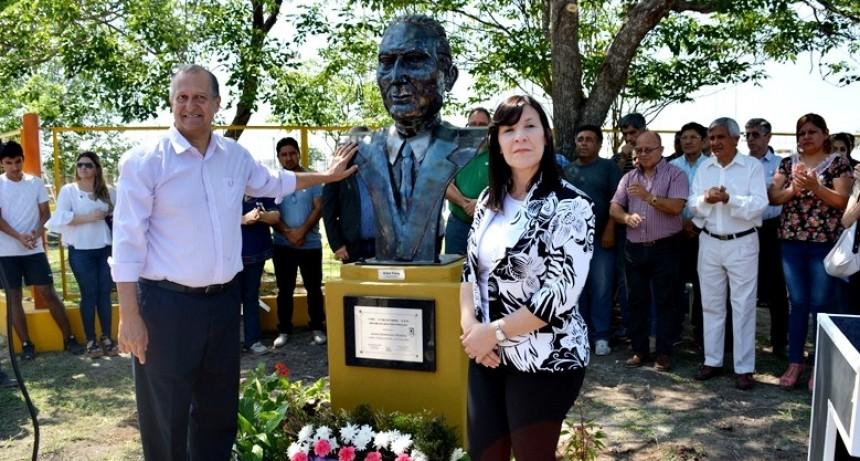 TRAS DESCUBRIR EL BUSTO DE DOMINGO PERÓN EN VILLA ÁNGELA: PAPP PIDIÓ SEGUIR TRABAJANDO CON LOS MISMOS PRINCIPIOS