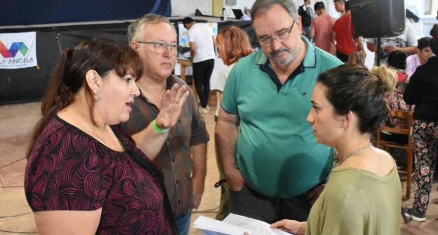 INICIÓ LA ENTREGA DE TARJETAS ALIMENTARIAS A LOS 3109 BENEFICIARIOS