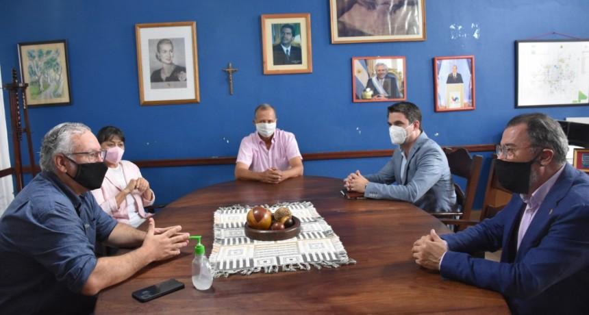 EL INTENDENTE PAPP DIO LA BIENVENIDA A VILLA ÁNGELA A MARK ZSONDA, DIPLOMÁTICO DE LA EMBAJADA DE HUNGRÍA