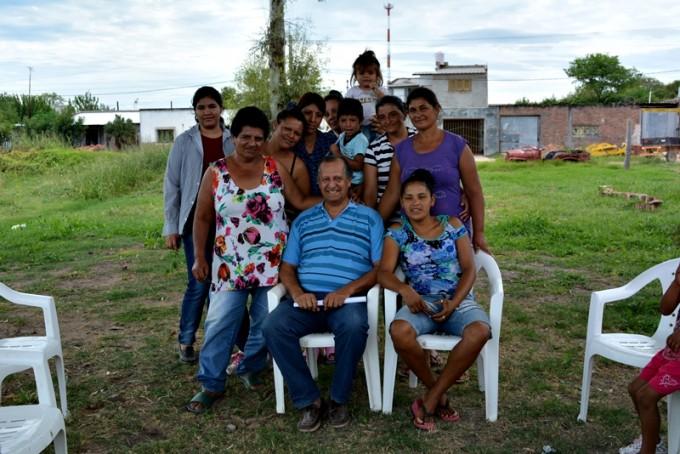 """PAPP SE REUNIÓ CON MUJERES LADRILLERAS: """"LO MÁS IMPORTANTE ES NUESTRO COMPROMISO DE GESTIONAR ÚTILES PARA 1500 CHICOS"""""""