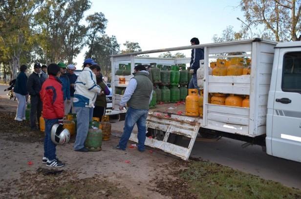 DEFENSA DEL CONSUMIDOR DE LA MUNICIPALIDAD OFRECE GARRAFA DE 10 KG. A $97
