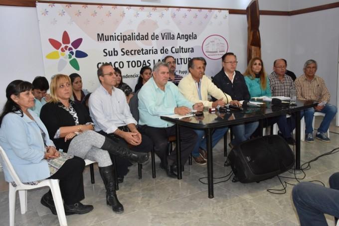 EL INTENDENTE PAPP ACOMPAÑADO DE FUNCIONARIOS Y CONCEJALES REALIZÓ UN INFORME DE SU GESTIÓN