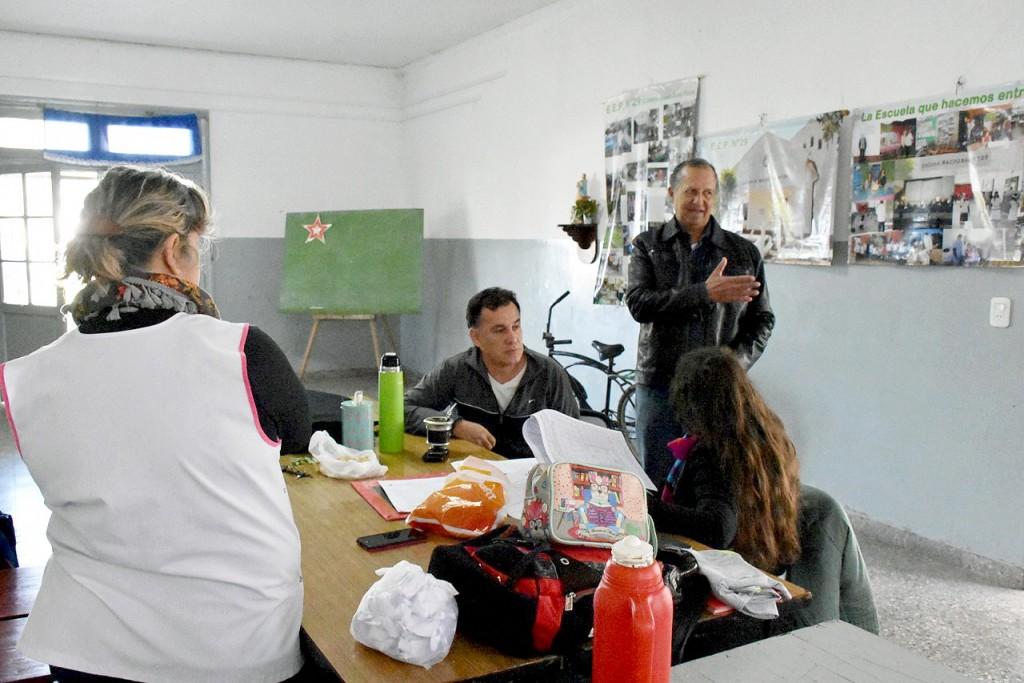 PAPP VISITÓ CENTRO DE EVACUADOS DE LA ESCUELA N° 29