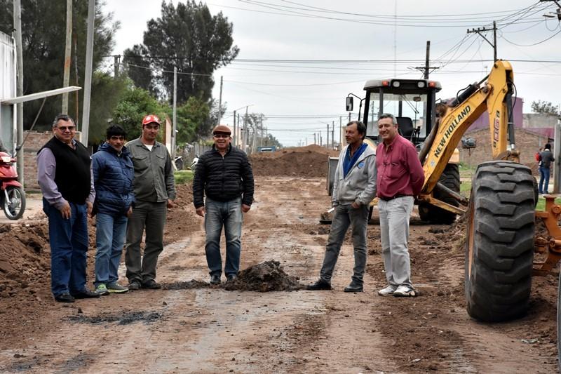 EL MUNICIPIO INICIÓ LA CONSTRUCCIÓN DE IMPORTANTE PROYECTO DE PAVIMENTACIÓN
