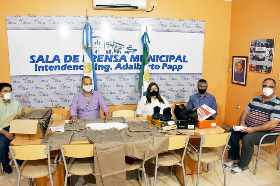 EL INTENDENTE PAPP ENTREGÓ ROPA DE PROTECCIÓN PARA LOS EMPLEADOS DE LA PLANTA GIRSU