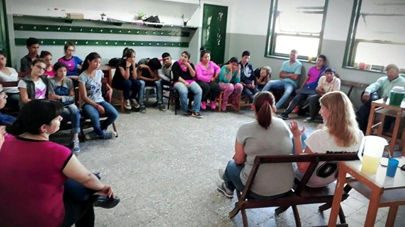 EL MUNICIPIO REALIZA CHARLAS DE EDUCACIÓN SEXUAL Y CUIDADO DEL MEDIO AMBIENTE EN INSTITUCIONES EDUCATIVAS