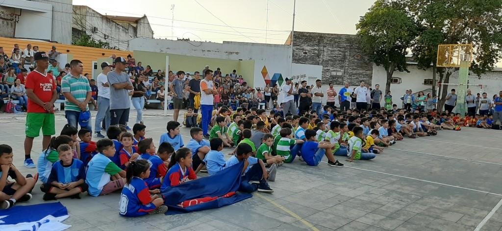 MÁS DE 500 NIÑOS EN LA ENTREGA DE PREMIOS DE LA LIGA COMUNITARIA DE FÚTBOL