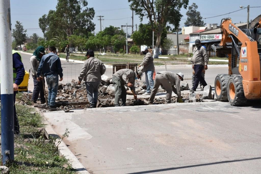 EL MUNICIPIO REALIZA REPARACIÓN DE BACHES, LIMPIEZA DE CUNETAS Y ALCANTARILLAS