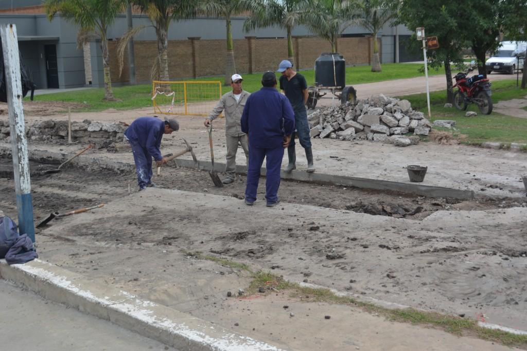 EL MUNICIPIO COMPLETÓ LA REPARACIÓND EL BACHE EN SAN MARTÍN Y GONZALO PANDO
