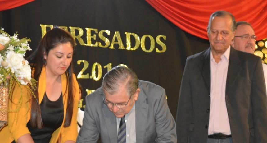 FIRMA DE CONVENIO POR EL TERRENO PARA LA CONSTRUCCIÓN DEL EDIFICIO PROPIO DE LA UEGP Nº 172 EN VILLA ÁNGELA