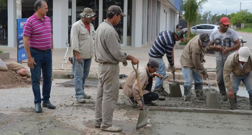 PAPP SUPERVISÓ LA RECONSTRUCCIÓN DE ALCANTARILLA EN ESQUINA PERÓN Y CALLE IBERLUCEA