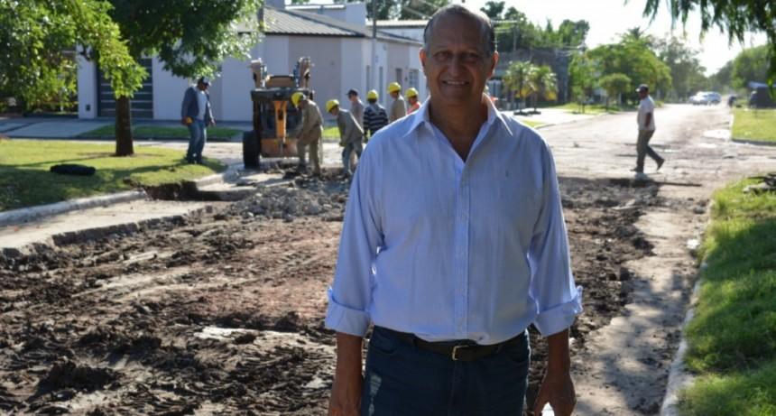 """""""QUEREMOS TERMINAR CON LOS GRANDES BACHES DE PAVIMENTOS VIEJOS Y NUEVOS"""""""
