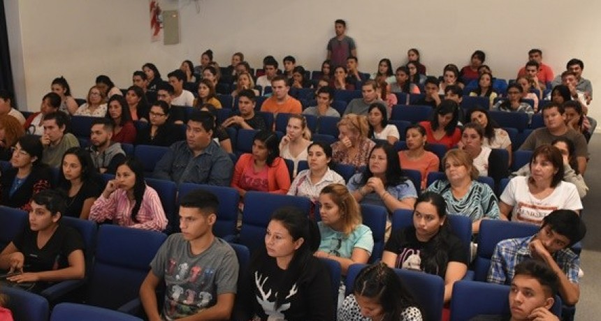 CON MÁS DE 400 INSCRIPTOS, UNCAUS SE AFIANZA EN VILLA ÁNGELA A TRAVÉS DEL ACOMPAÑAMIENTO MUNICIPAL