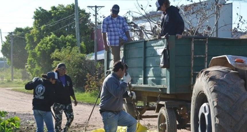 EL MUNICIPIO INICIA OPERATIVO DE LIMPIEZA EN EL BARRIO SAN CAYETANO