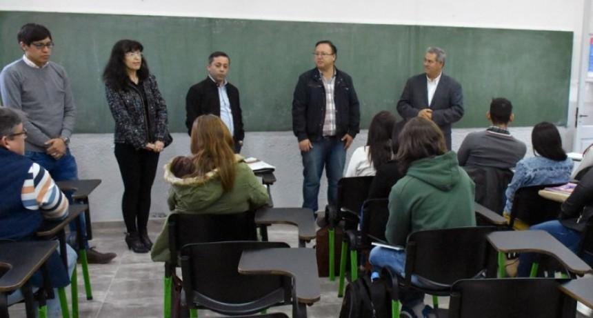 ESTUDIANTES DE ABOGACÍA DE LA UNNE INICIAN EL CURSADO DEL 2° AÑO EN EL PUNTO DIGITAL DEL  MUNICIPIO DE VILLA ÁNGELA