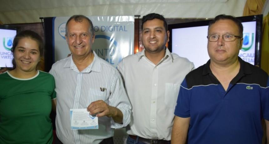 LA MUESTRA DEL INTA NOS PERMITIÓ DIFUNDIR LAS ACTIVIDADES DEL EQUIPO DE PUNTO DIGITAL, DEPENDIENTE DE LA SECRETARÍA