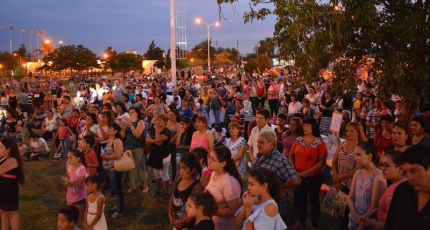 EXCELENTE MARCO DE PÚBLICO EN EL CIERRE CULTURAL DE LAS ESCUELAS MUNICIPALES